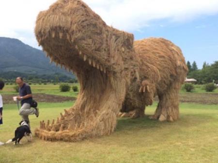 绿雕工艺品-别致的稻草工艺品供应