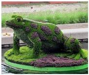 镇江草雕公司 立异的仿真绿雕被选安子工艺
