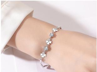 爱诺妮小饰品手链-哪里能买到品质好的纯银项链