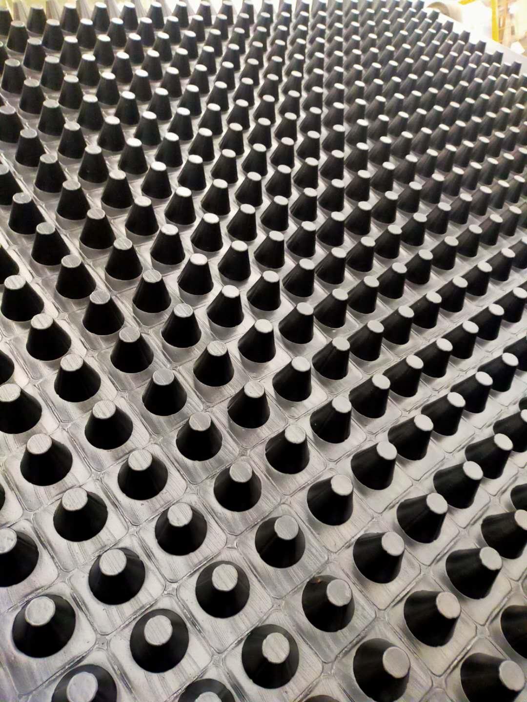 聚乙烯排水板蓄排水板厂家新资讯 凹凸型排水板