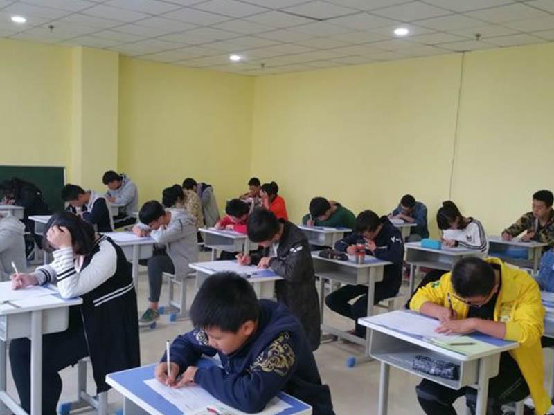 中高考文化课复读学校