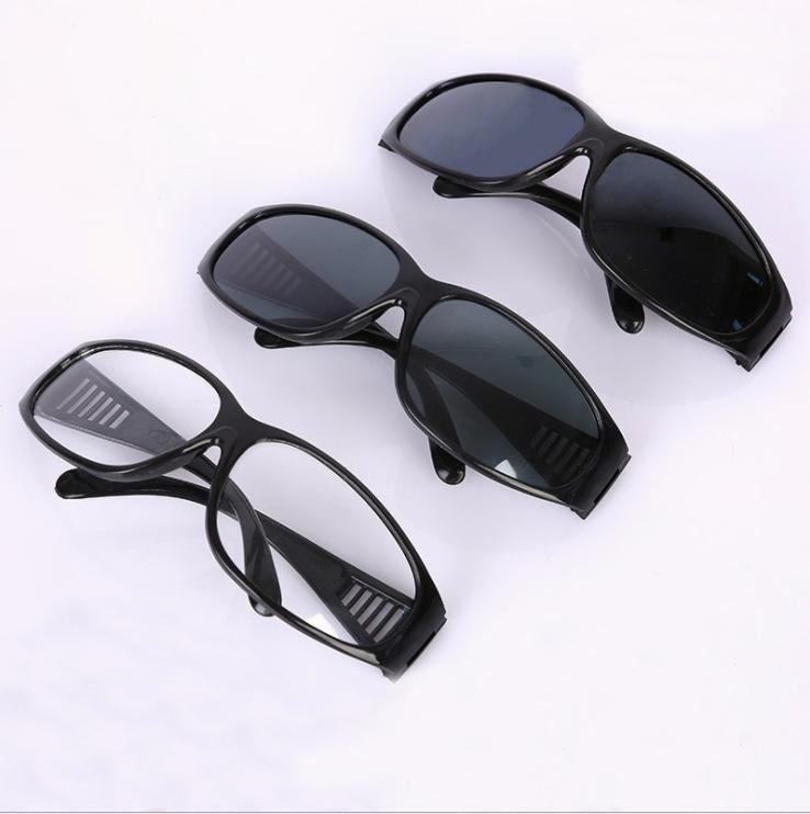 山东四珠护目镜厂家,透明防护眼镜批发,防冲击玻璃防护面罩