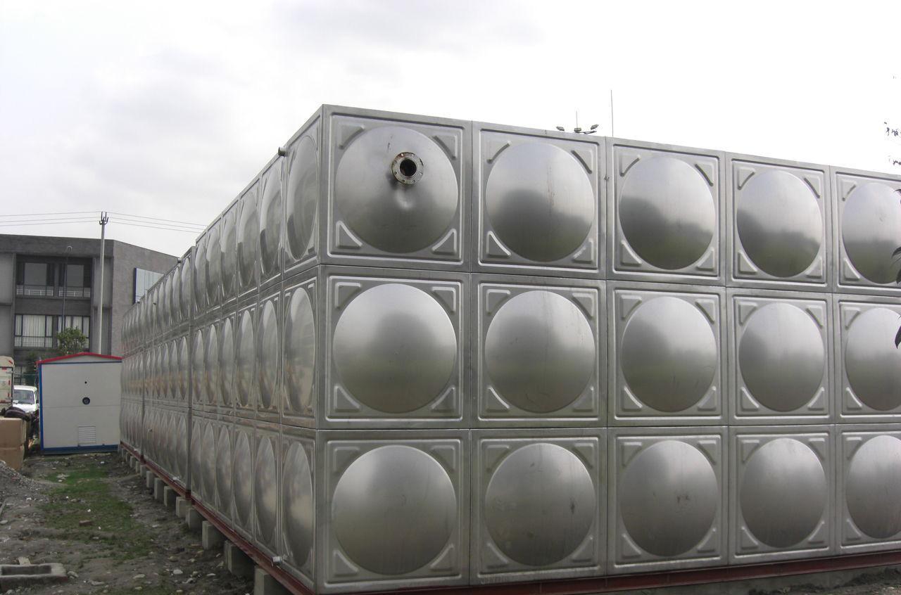 泰兴全市低价出售不锈钢水箱