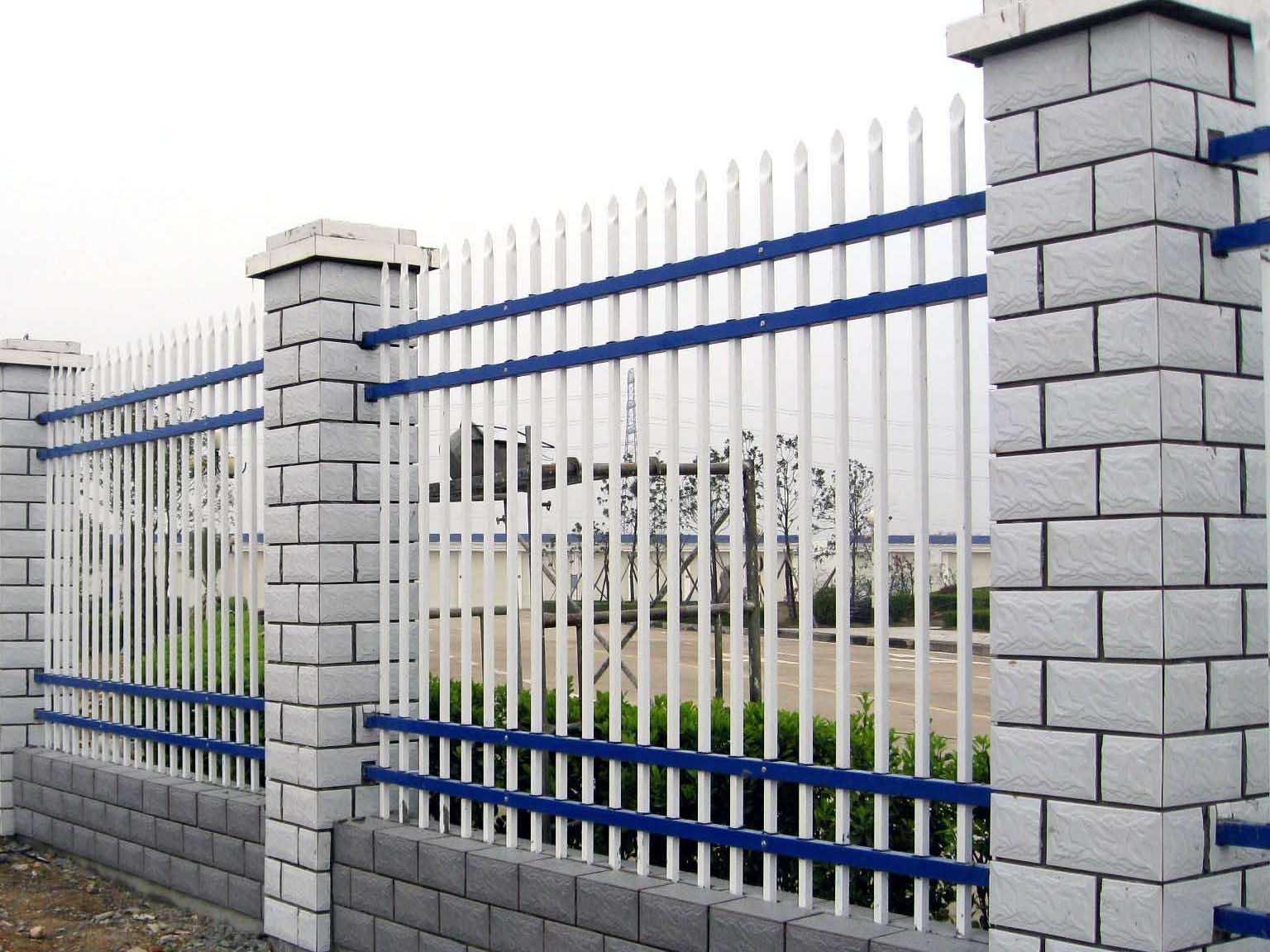青海交通护栏价格|有品质的青海锌钢护栏推荐