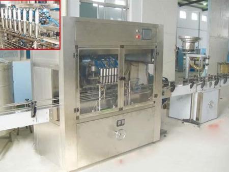 化工液体灌装机价格|可靠的灌装机当选华樽机械