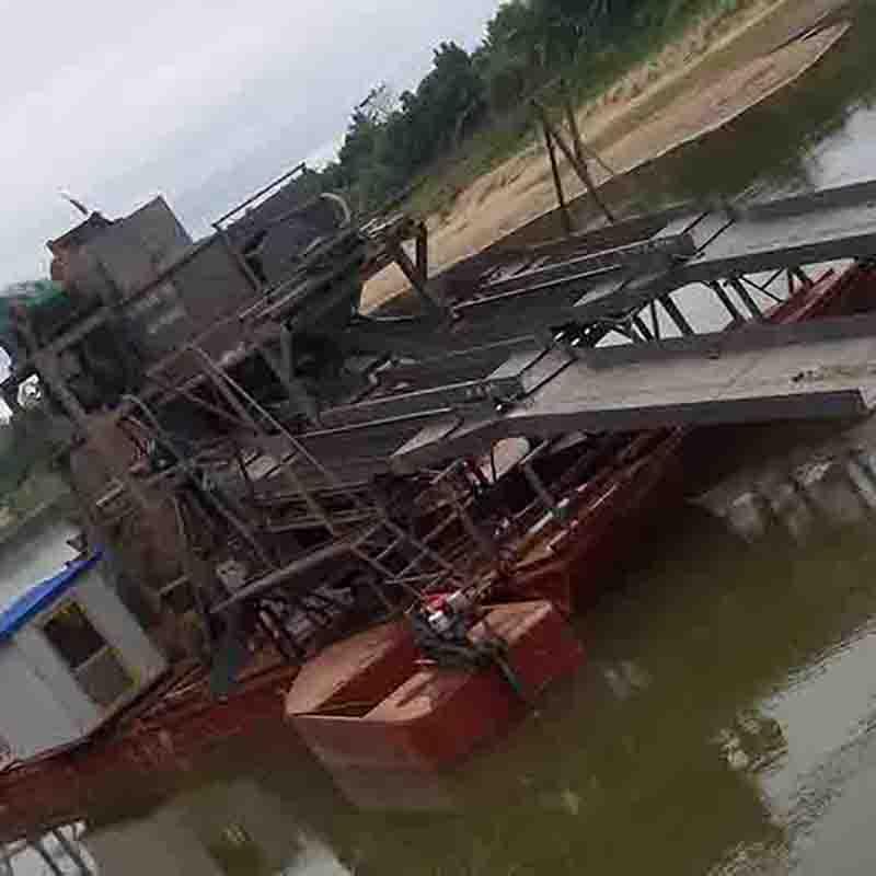 鼓动溜槽淘金船,溜槽淘金船厂家,溜槽淘金船生产厂家