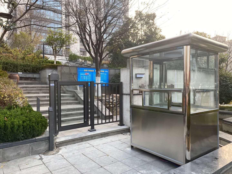 濟南人行道閘安裝鴻海順智能小區廣告門柵欄門廠家定做