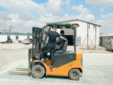 叉车培训技术-新乡叉车培训院校-新乡叉车培训班