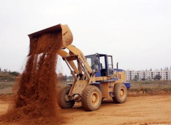 装载机培训价钱-铲车培训学费多少-铲车培训多少钱