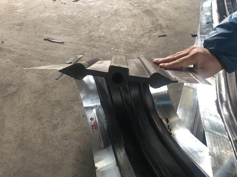 丁基钢板腻子橡胶止水带-丁基钢板止水带-钢板止水带厂家