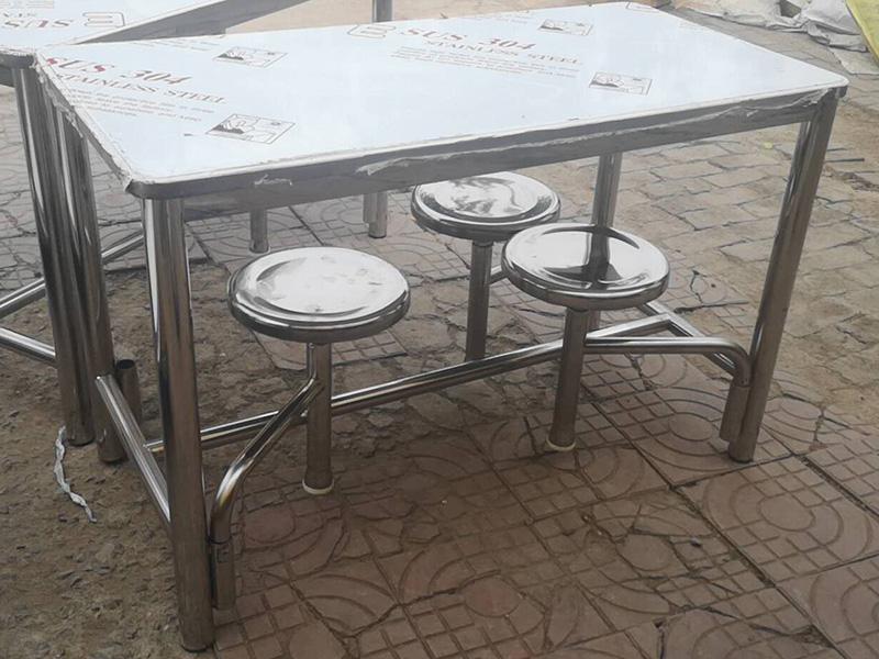 山东酒店四座餐桌椅厂家