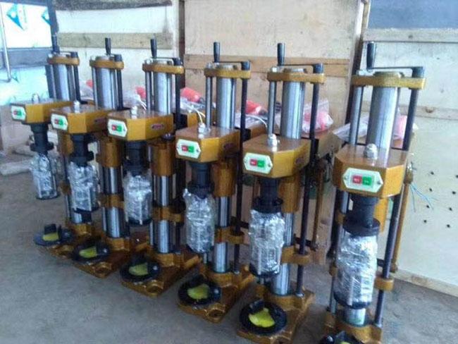 封口设备 灌装封口设备