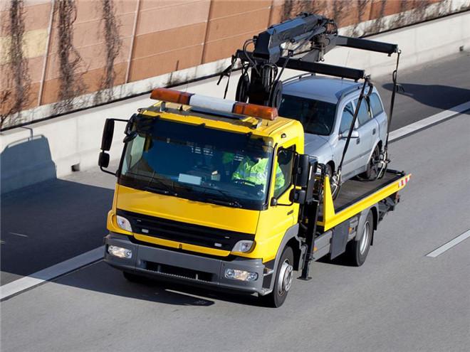 拖车服务可信赖-有保障的汽车救援服务推荐