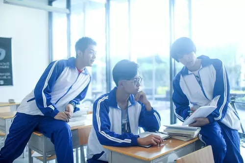 西安订制学生校服-西安学生服订做厂家-陕西学生校服订做厂家