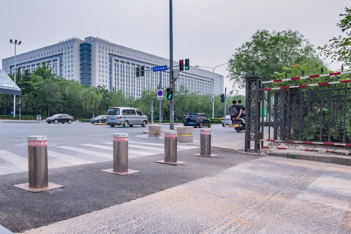 青岛智能升降路桩-自动升降路桩自己能安装吗多少钱