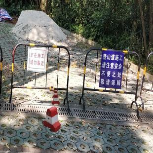 深圳市建材店卖铁管水泥防撞路墩罗湖楼盘小区水泥墩厂家护栏路店