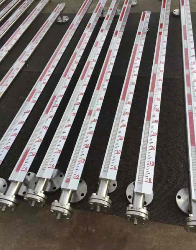 磁翻板液位計上海上儀供應各類磁翻板液位計