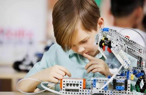 機器人編程培訓-銀川機器人競賽專訓班-銀川工業機器人培訓班