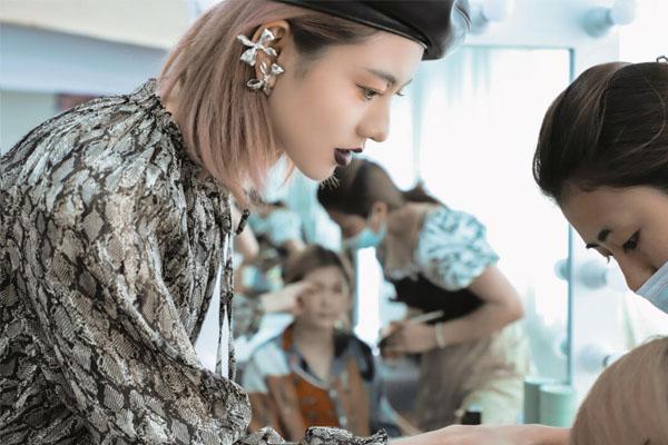 化妆师学校
