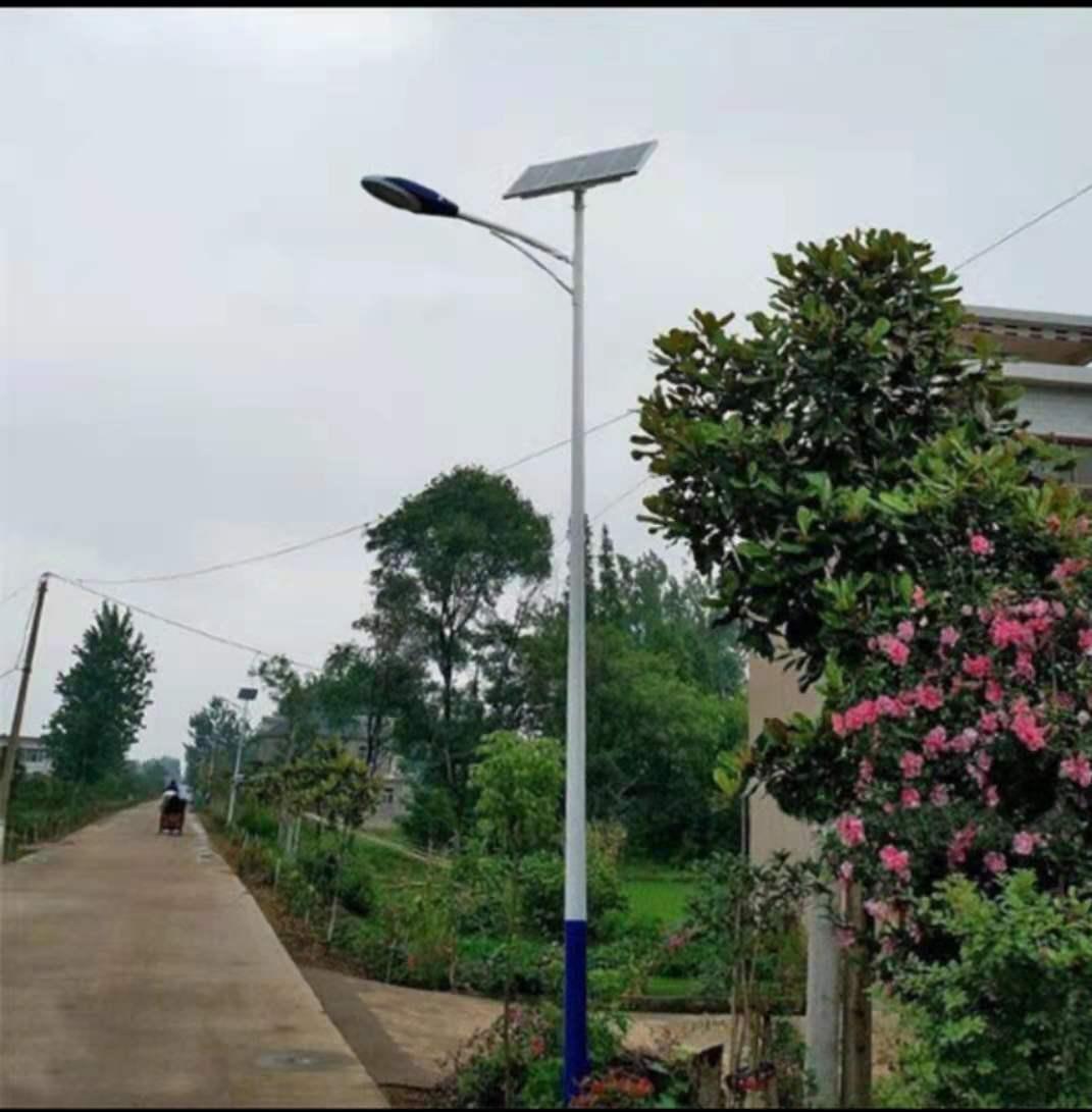 新疆太阳能路灯,宁夏星火燎原照明钢工程