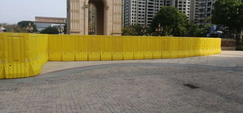 塑料水马围挡围墙生产厂家木塑水马工地工程围挡