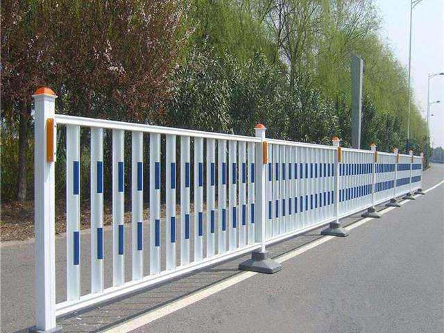 海東道路交通護欄廠 哪里能買到價格合理的青海市政護欄