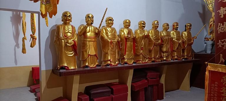 十八羅漢佛像木雕廠家樟木手工雕刻貼金彩繪定制