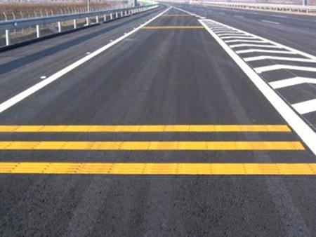 抛售交通标线_想买优惠的交通护栏,就来万路交通